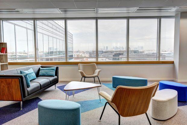 Избор на мебели за офис, дома и училище